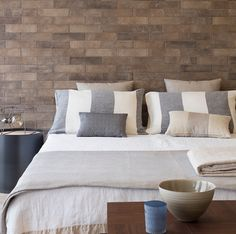 MarinaC - our striped linen bed set for #Ragno Marazzi - styling by Marta Meda