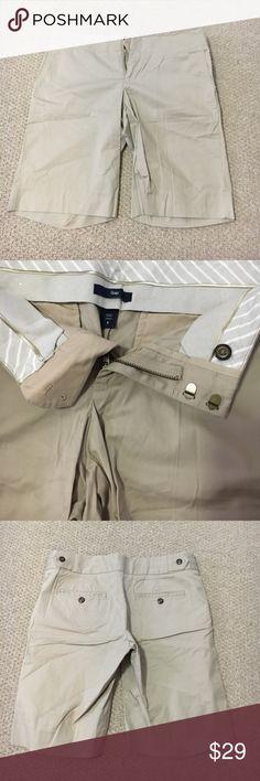 NWOT GAP Dressy Bermudas ✔️NWOT GAP Dressy Bermudas ✔️Front Button with Hook and Zip closure  ✔️Back pockets with button ✔️Fabric has slight give GAP Shorts Bermudas