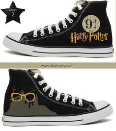 Harry Potter Handpainted Converse Shoes 😍❤️ love them! Converse All Star, Converse Sneakers, High Top Sneakers, Women's Converse, Harry Potter Shoes, Harry Potter Outfits, Harry Potter Converse, Cute Shoes, Me Too Shoes