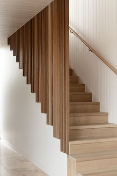 Gallery of Seachange House / Solomon Troup Architects - 10 - Ashley Home Staircase Design Modern, Home Stairs Design, Modern Stairs, Railing Design, Home Interior Design, House Design, Stair Design, Staircase Railings, Wooden Staircases