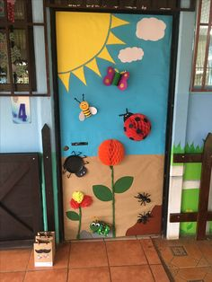 Ideas for classroom door decorations preschool teachers Preschool Door, Preschool Classroom Decor, Classroom Art Projects, Classroom Door, Preschool Crafts, Preschool Teachers, School Door Decorations, Class Decoration, Diy And Crafts