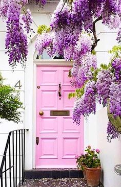 Pink door with wisteria in Notting Hill, London, England. - Pink door with wisteria in Notting Hill, London, England. Cool Doors, Unique Doors, The Doors, Windows And Doors, Front Doors, Interior Exterior, Exterior Design, Interior Door, Exterior Paint