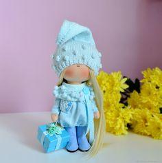 Купить или заказать Кукла текстильная интерьерная гнома в интернет магазине на Ярмарке Мастеров. С доставкой по России и СНГ. Срок изготовления: по договоренности. Материалы: трикотаж, синтепух, волосы для кукол,…. Размер: Рост куколки около 24 см