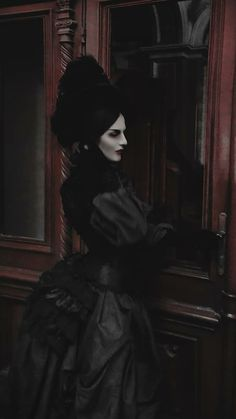 Gothic Models, Gothic Dress, Victorian Gothic, Gothic Beauty, Blood, Water, Beautiful, Style, Art