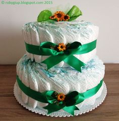 Torta di pannolini verde con girasoli, idea regalo per neo mamme! - RobyGiup handmade #baby #gift