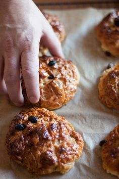 Via Emiko Davies >> Pan di ramerino  Rosemary and raisin buns  This recipe is adapted considerably from Florentine Salvatore Grieco's recipe in the Slow Food cookbook,Ricette di Osterie di Firenze e Chianti (Recipes from the Osterie of Florence and the Chianti).