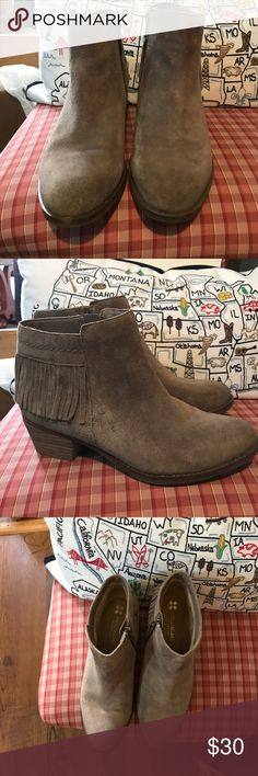7.5 Naturalizer fringe taupe booties Worn twice these booties are wonderful they are just too big on me. I need a 7 but I thought I could make these work. Naturalizer Shoes Ankle Boots & Booties