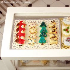 Hey, I found this really awesome Etsy listing at https://www.etsy.com/listing/210678241/christmas-cookies-dollhouse-miniature