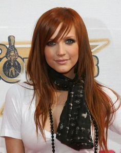 Ashlee Simpson when her hair was epic.