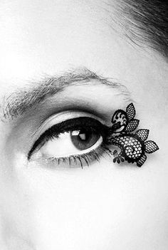 Lace lashes