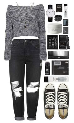 A fashion look from December 2015 featuring heart shirt, topshop jeans and converse shoes. Browse and shop related looks. Grunge Outfits, Grunge Fashion, Chic Outfits, Teen Fashion, Fashion Outfits, Womens Fashion, Grunge Dress, Cute Outfits For School, Summer Outfits