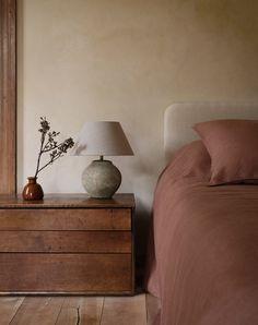 Interior Design Inspiration, Home Decor Inspiration, Decor Ideas, Zara Home Bedroom, Diy Bedroom, Master Bedrooms, Modern Bedroom, Bedroom Ideas, Murs Beiges