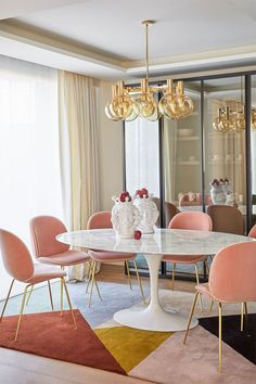 nice Most Noticeable Suites A Dream Dining Room That Is Perfect for Luxurious Interiors You can completely change your living room into a significantly hap. Mesa Sofa, Kitchen Design Open, Colorful Furniture, Colorful Decor, Dining Room Design, Luxury Interior, Interiores Design, Interior Decorating, Decorating Ideas