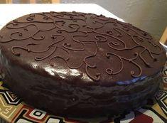 Vegan Desserts, Dessert Recipes, Cake Decorated With Fruit, Chocolate Cake Designs, Vegan Thanksgiving, Vegan Kitchen, Chocolate Ganache, Creative Cakes, Cake Cookies