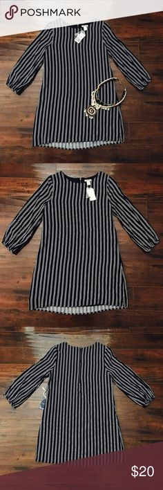 ❤️ F21 Pin Striped Long Sleeved Dress NWT || PERFECT CONDITION || Thin Material - Perfect for a summer dress ❤️ || Measurements available upon request || ONLY reasonable offers are accepted || Follow my posh ig for more poshtivities: @ashaxrose Forever 21 Dresses Long Sleeve