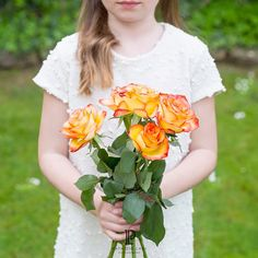 Che modella che ho!! ⠀⠀⠀⠀⠀⠀⠀⠀ ============================== • Firenze • Canon 5D Mark III • Canon 24-70 f2.8 • ISO 100 | f/5.6 | 1/200 ⠀⠀⠀⠀⠀⠀⠀⠀ #splendid_shotz #splendid_people #ig_masterpiece #igsuper_shotz #photo_best11 #alalamiya #allshots_ #daughter #dream_image #flowers #gramoftheday #stellerstories