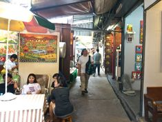 Shopping Chatuchak Market: the Ultimate Photo Guide to Bangkok's Best Market - Souvenir Finder Bangkok Travel, Thailand Travel, Chatuchak Market, Best Thai, Market Stalls, Cool Things To Buy, Marketing, Shopping, Fruit