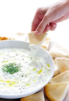 Tzatziki Sauce: yummy and next time add garlic one at a time. This is my new go to recipe for tzatziki. Healthy Dip Recipes, Healthy Dips, Appetizer Recipes, Cooking Recipes, Healthy Appetizers, Healthy Summer, I Love Food, Good Food, Yummy Food