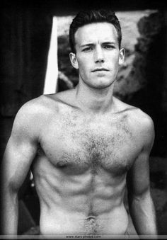 Ben Affleck trained for 15 weeks to achieve the results he needed for the movie. Description from benaffleckworkout.com. I searched for this on bing.com/images