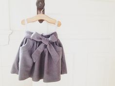 Girl's GRAY WOOL SKIRT via rajovilla