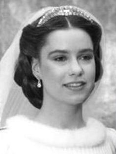 Grand Duchess Maria Teresa of Luxembourg, wearing the Congo necklace tiara on her wedding day.