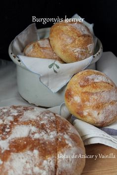 Deli, Hamburger, Bread, Serendipity, Cooking, Food, Gastronomia, Savory Muffins, Food Cakes