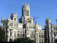 http://guias-viajar.com/ Palacio de Cibeles en Madrid
