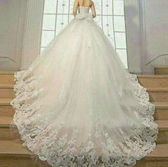 Model : FSDT-24 Price : USD 2250 Material : Lace and Tulle