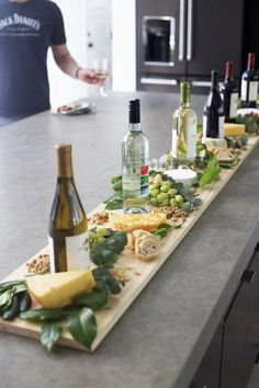 """Source by pintermoni Related posts: Fall Wine and Cheese Tasting Party 14 Hacks That'll Help The Laziest Person Host A Dinner Party Wine And Cheese / Dinner Party """"Wine And Cheese Party!"""" host the perfect Halloween dinner party Snacks Für Party, Appetizers For Party, Appetizer Recipes, Party Drinks, Party Party, Party Trays, Birthday Appetizers, Cocktails, Fruit Appetizers"""