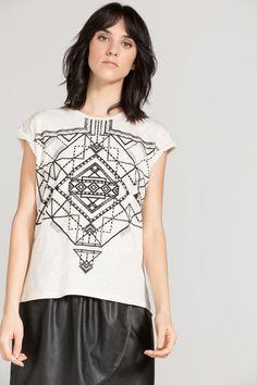 Camiseta estampada de inspiración étnica. Esta ya es mia!!!!