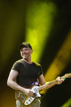 For everything Coldplay check out Iomoio Love Band, Cool Bands, Coldplay O, Phil Harvey, Jonny Buckland, Chris Martin, British Rock, Britpop, Music Bands
