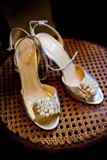 Kate Spade, love the gold and pearls