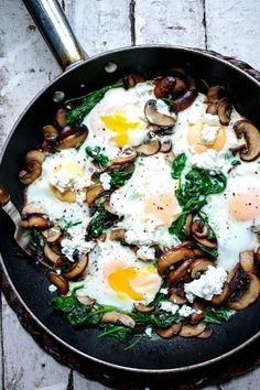Sautéed mushrooms and wilted, garlicky spinach are the perfect (and quickest) accompaniments to eggs with a runny yolk. Sautéed mushrooms and wilted, garlicky spinach are the perfect (and quickest) accompaniments to eggs with a runny yolk. Healthy Meal Prep, Healthy Snacks, Healthy Cooking, Office Food, Clean Eating Snacks, Healthy Eating, Breakfast Time, Breakfast Skillet, Breakfast Mushrooms