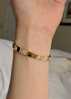 Cartier Bracelet, Cartier Jewelry, Cartier Love Bangle, Jewellery, Love Bracelets, Bangle Bracelets, Cute Jewelry, Jewelry Crafts, Cartier Gold
