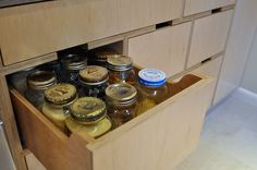 More plywood kitchen/box ideas.  A well organized drawer