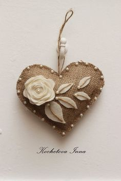 Kochetova Inna - Rustic heart with pearlsBurlap lace heart ornaments Home decor ornaments by ByKochetovaCheap DIY Jute decoration and ornaments for ChristmasComments in Topic Fabric Hearts, Fabric Flowers, Felt Christmas Ornaments, Cheap Ornaments, Burlap Ornaments, Christmas Christmas, Rustic Christmas, Christmas Crafts, Lace Heart