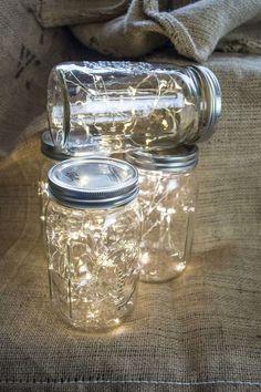 decoração com jarros e luz do casamento