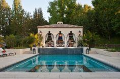 La piscina - Así es la casa de Kris Jenner en Los Angeles