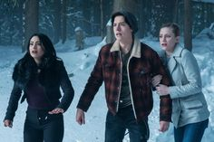 Riverdale - Episode 1.13 - The Sweet Hereafter (Season Finale) - Promos, Sneak Peek, Promotional Photos, Poster, Interview & Press Release