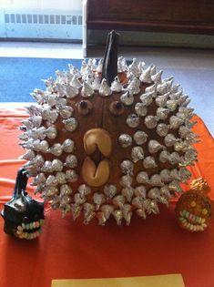 25 Unusual Pumpkin Decorating Ideas - Without Carving! Our very own Puffer Fish creation! My son made this and won Place at his pumpkin decorating contest! Fete Halloween, Diy Halloween Decorations, Halloween Treats, Halloween Pumpkins, Halloween Music, Halloween Goodies, Halloween Celebration, Easy Halloween, Pumpkin Decorating Contest