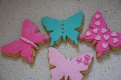 4 easy ways to decorate butterfly cookies (using fondant) Butterfly Baby Shower, Butterfly Party, Butterfly Cookies, Fondant Baby, Iced Cookies, Gorgeous Cakes, 3rd Birthday, Birthday Ideas, Gum Paste