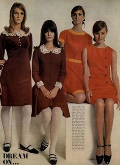 Dresses - A Rainbow of 50 Dresses (Pictures) - Reddish-brown dresses with lace colors & reddish-orange dresses - 60s And 70s Fashion, Mod Fashion, Vintage Fashion, Sporty Fashion, Fashion Women, 1960s Dresses, Vintage Dresses, Vintage Outfits, Moda Retro