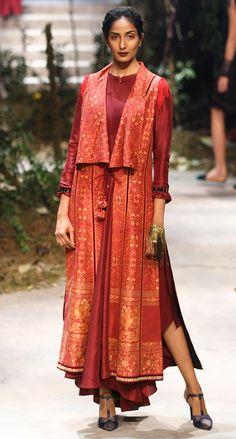 How tо Wear Clothes thаt Flatter Yоu Iranian Women Fashion, Asian Fashion, Trendy Fashion, Girl Fashion, Fashion Goth, Bridal Fashion, Fashion Tips, India Fashion Week, Fashion Week 2018