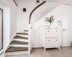 Stringer staircases made in northern Germany. - Staircase Voß - The Home Decor Trends Attic Renovation, Attic Remodel, Staircase Remodel, Modern Staircase, Staircase Design, Building Stairs, Bedroom Murals, Attic Rooms, House Stairs
