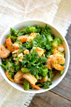 This lovely Clean Eating Shrimp And Asparagus Skillet makes a fast and easy dinner that everyone will love. Make it in 15 minutes for dinner tonight! ~ http://www.thegraciouspantry.com