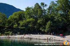 Fare il bagno e prendere il sole in un posto meraviglioso: spiaggia di sabbia ad Avegno Gordevio in val Maggia.