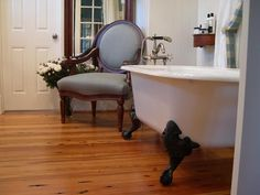 I would love a claw foot tub!