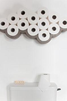 Porte papier toilette en béton CLOUD en forme de nuage apporte poésie, humour et singularité à un espace qui en est, le plus souvent dépourvu : vos toilettes !