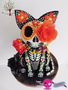 Sugar Skull Bakers Collaboration 2015 - Cake by Blossom Dream Cakes - Angela Morris Beautiful Cakes, Amazing Cakes, Sugar Skull Cakes, Sugar Skulls, Scary Cakes, Day Of The Dead Cake, Comida Disney, Sculpted Cakes, Custom Cupcakes