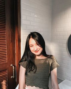 Cool Girl Pictures, Girl Photos, Bad Girl Wallpaper, Pastel Wallpaper, Teen Girl Photography, Filipina Girls, Filipina Beauty, Ulzzang Korean Girl, Instagram Pose